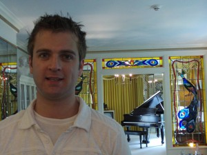 Phil in Graceland's livingroom